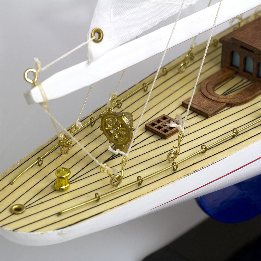 Model Yacht - J-Class