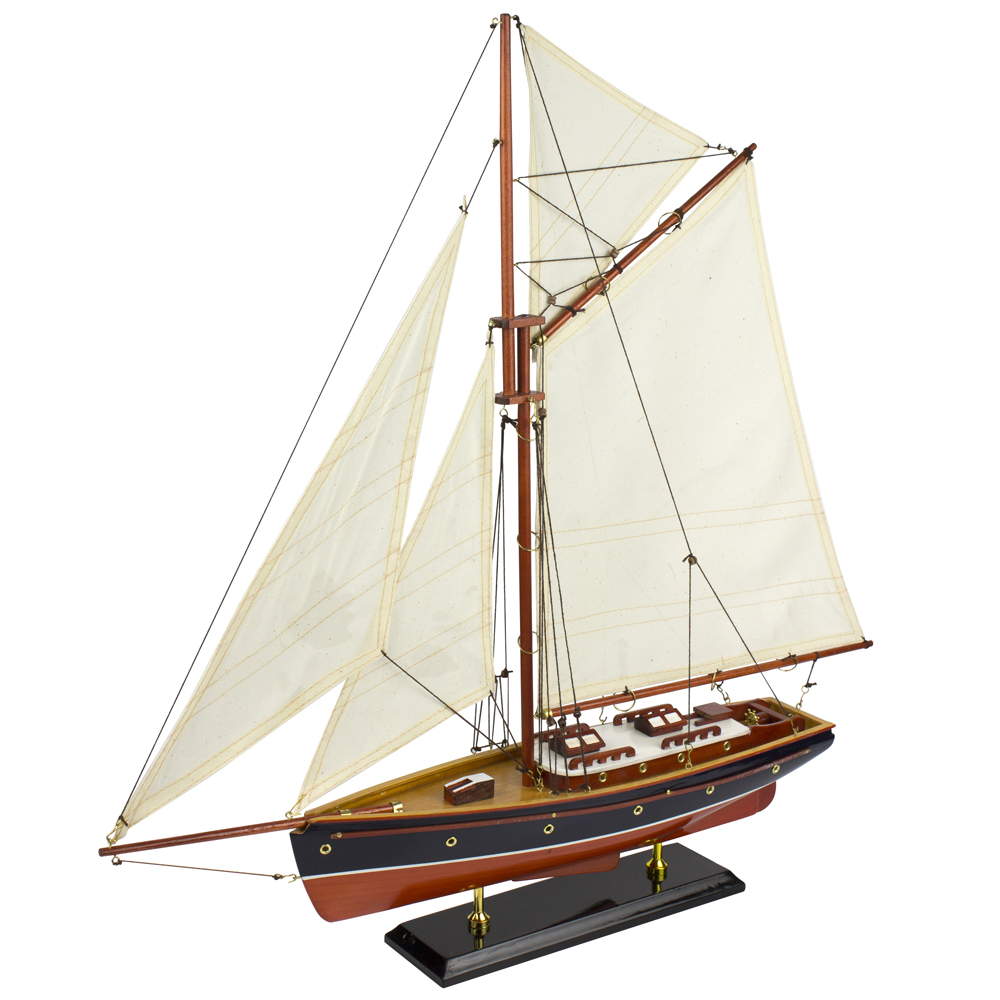 Model Yacht - Gaff-Rigged Yacht with Cabin