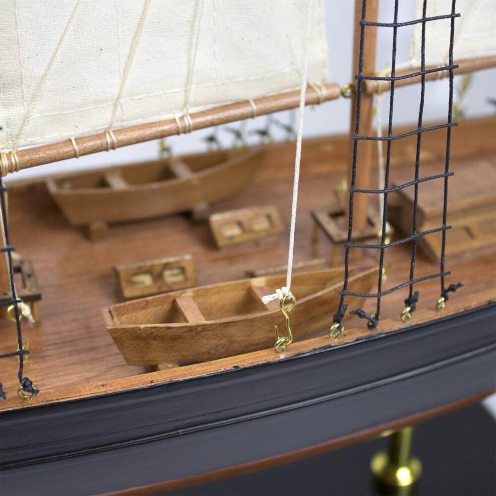 Model Yacht - Atlantic