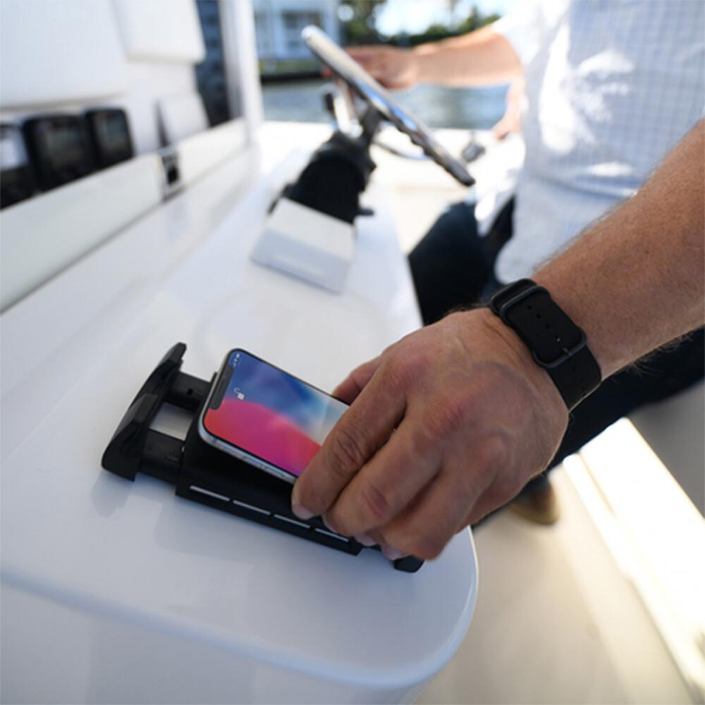Active Wireless Phone Charging Mount