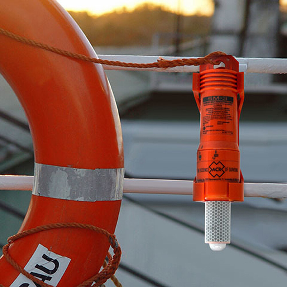 SM-3 LED Lifebuoy Self-Igniting Marker Light